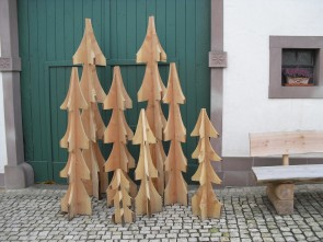 Holzdekorationen für das ganze Jahr